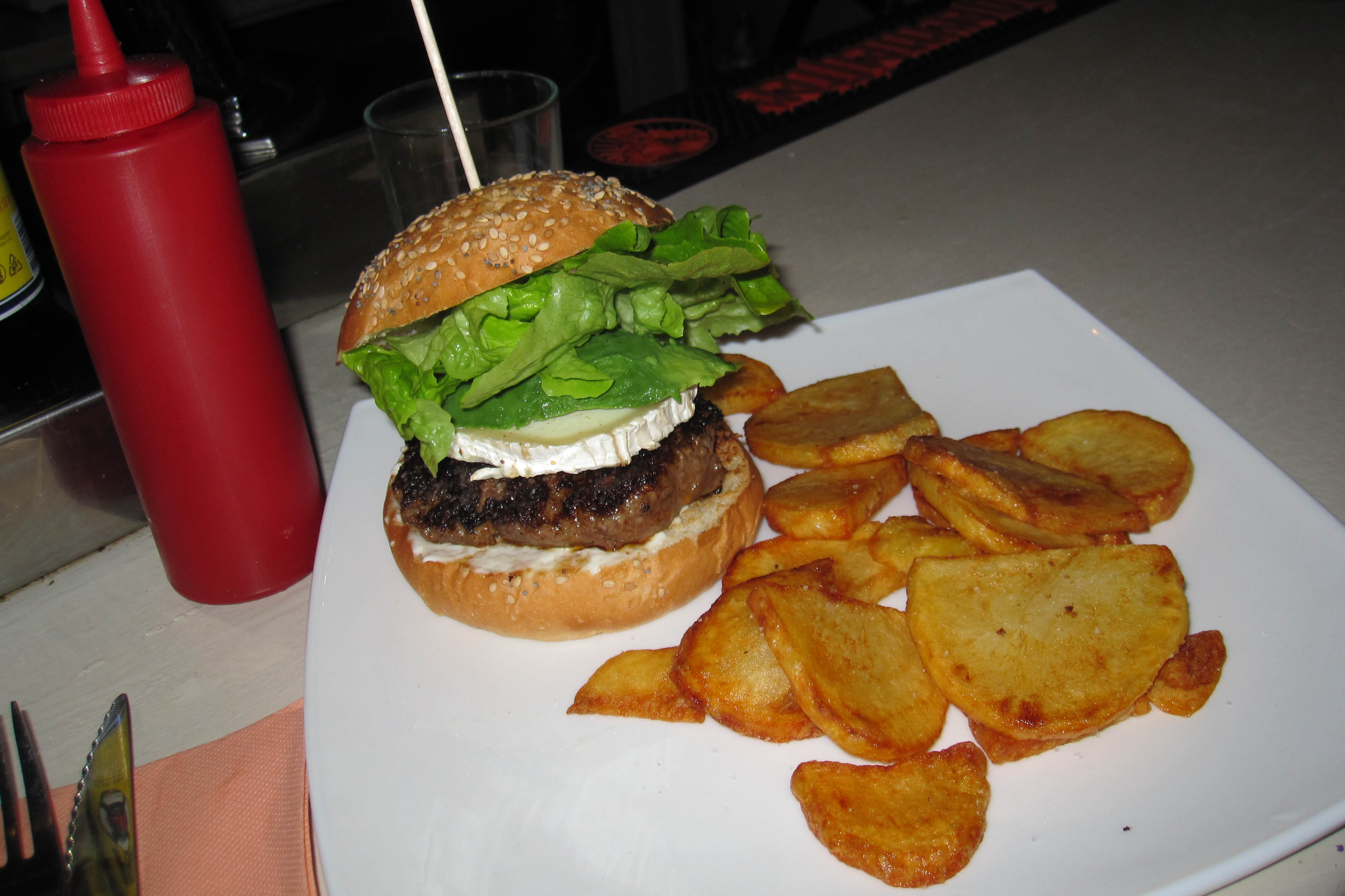 Intercambio & Burgers at Carmencita Bar
